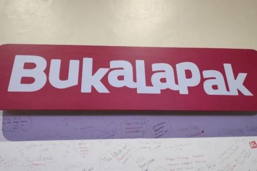 Jasa Pengiriman Barang di Bandung | Rental & Sewa Truk di Bandung Tarif Pengiriman Barang Naik, Ini Kata Bukalapak